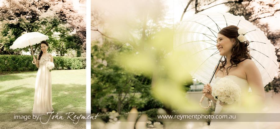 Bride & bridesmaid, Kangaroo Point, Brisbane wedding photographer, Reyment Photographics