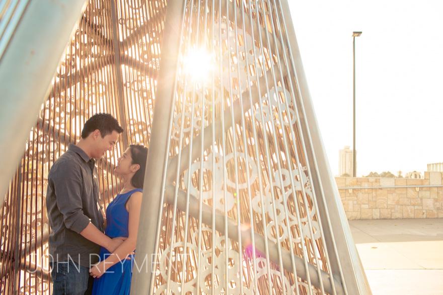 Engagement portrait by  Brisbane wedding photographer John Reyment