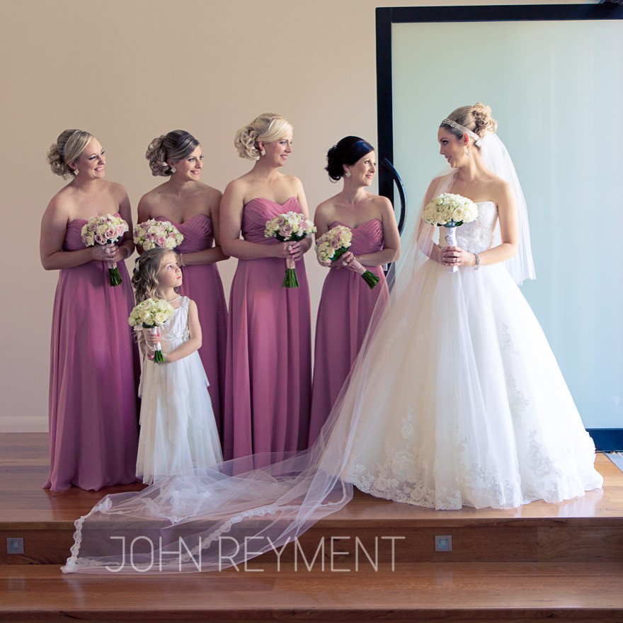 Issues to consider when choosing bridesmaids dresses for your wedding