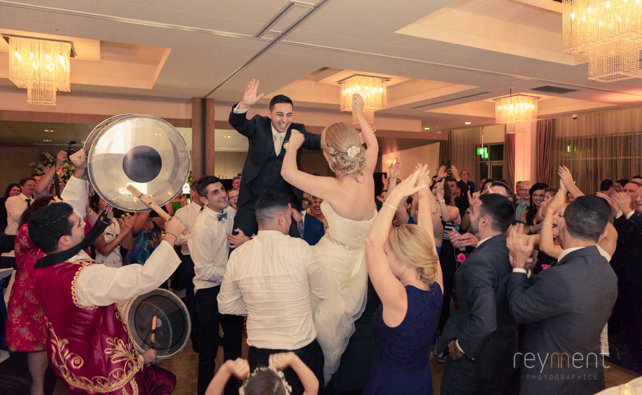 easts-leagues-club-wedding-reception-by-coorparoo-photographer-john-reyment